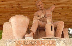 Avanos pottery monument